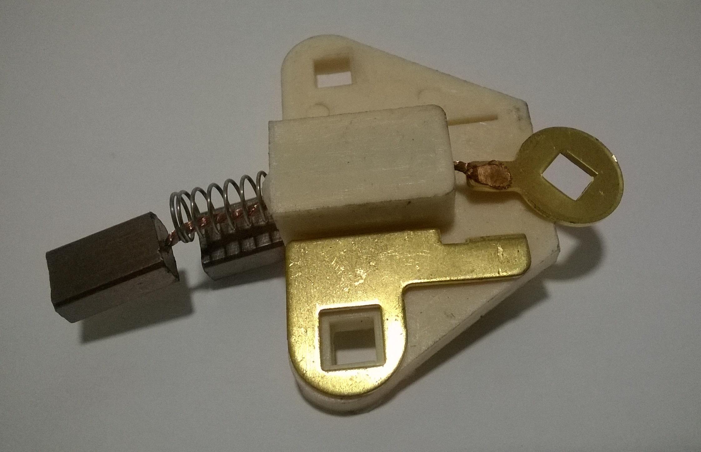 Portacarbon Alternador Donon PCA-81387